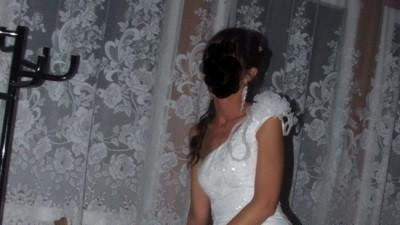 ślczna sukna ślubna Kelves w hiszpańskim stylu