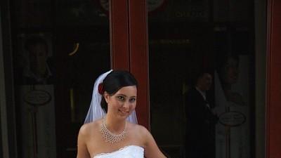 Śliczna biała suknia ślubna!