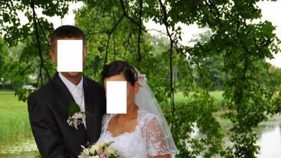 Śliczna bielutka suknia ślubna z dużym trenem