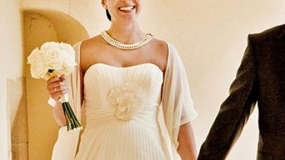 Śliczna, kremowa, muślinowa sukienka ślubna! Idealna dla przyszłej mamy!