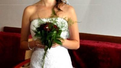 Śliczna, modna suknia ślubna