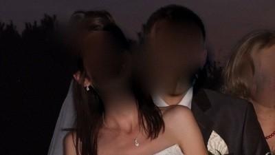 Śliczna, skromna suknia ślubna