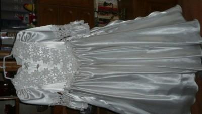 Śliczna sukienka komunijna