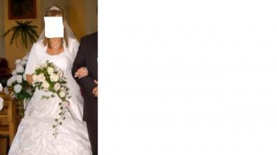 ...śliczna suknia ślubna...