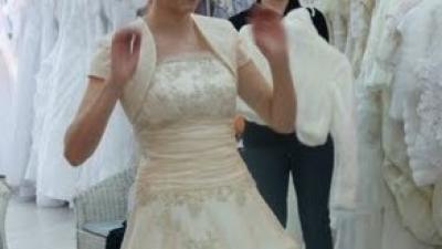 śliczna suknia ślubna ciemne ecru na rozmiar 36-38 z kloszem