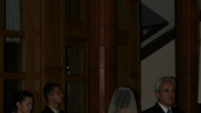 Śliczna Suknia Ślubna Ecru z trenem