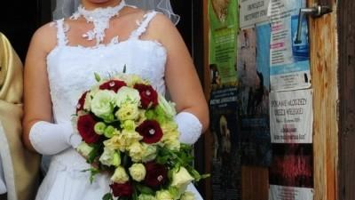 śliczna suknia ślubna+wszystkie dodatki