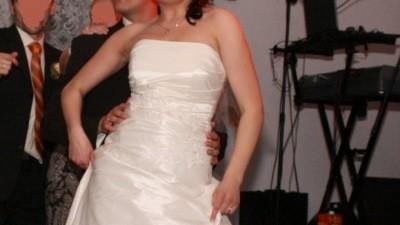 Śliczna suknia ślubna z kolekcji Julia Rosa