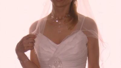 śliczna suknia z falbanami w dobrej cenie