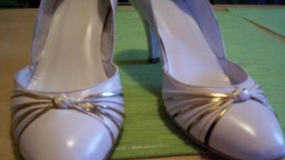 Śliczne buty Ryłko - rozmiar 38