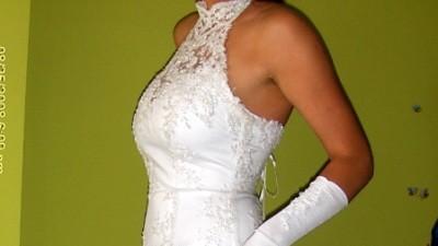 Śnieżnobiała suknia ślubna, klasyczna rybka-wydłuża sylwetkę podkreśla kształt!