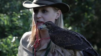Sokolniczka, kynolog i kobieta-myśliwy. Teraz Polka! Tańcząca z ptakami Agata Telimena Bielowska