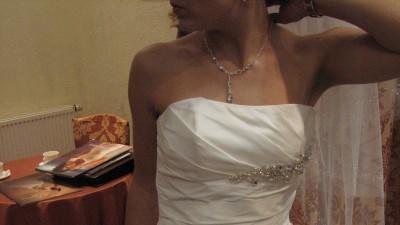 Sprzedam Agnes model z 2010r.( + buty/welon/biżuteria)- szyta na zamówienie w sa