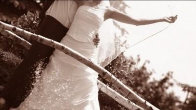 Sprzedam bardzo ładną suknie ślubną z firmowego salonu sukien AGNES