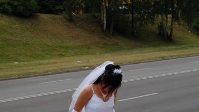 sprzedam białą suknię ślubną rozmiar 38 cała badzo skromna