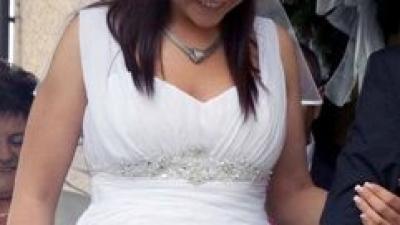 Sprzedam białą suknie ślubną z 2010