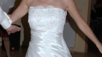 sprzedam ciążową suknię ślubną Julia Rosa model 624