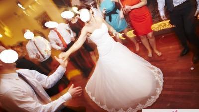 sprzedam cudną suknię ślubną a'la księżniczka