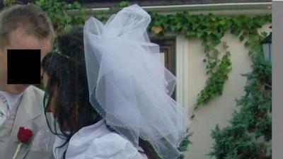 Sprzedam cudowną suknie ślubną krótką z przodu długą z tyłu + dodatki !!!