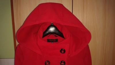 Sprzedam czerwony ELEGANCKI PŁASZCZ DAMSKI rozm.36(S) Stan Idealny!