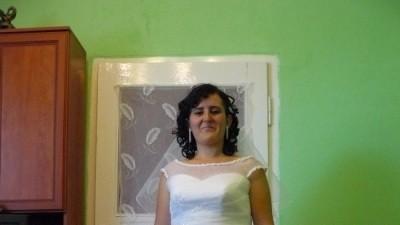Sprzedam dwuczęściową suknie ślubną