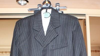 sprzedam garniturek dla chlopca