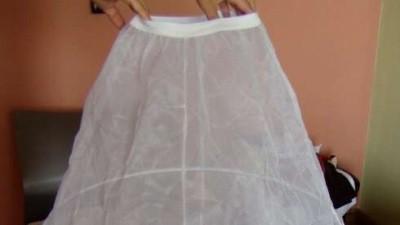 sprzedam halkę do sukni na 3 kołach