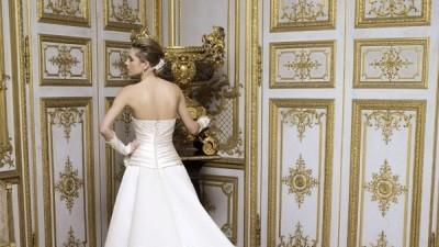sprzedam jednoczęściową suknię ślubną ecru