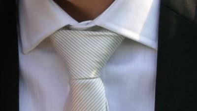 Sprzedam jedwabny krawat ślubny