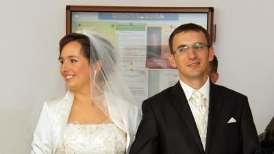Sprzedam, Julia Gastoł model 951, ecrue rozmiar 40-42 jednoczęściowa piękny haft