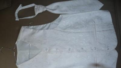 Sprzedam kamizelkę ślubną z krawatem i butonierką