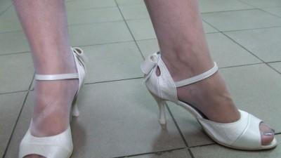 Sprzedam nowe skórzane  piękne buty ślubne r 37 i 36