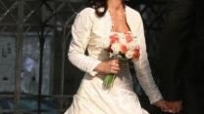 Sprzedam orginalną suknię w koloerze ecru, rozmiar 34/36