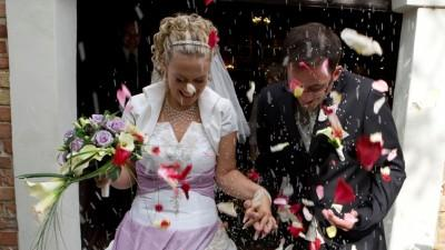 Sprzedam oryginalną suknie slubna z fioletem