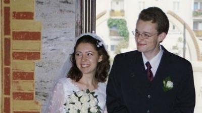 Sprzedam piękną białą suknię ślubną z koronką