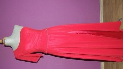 Sprzedam piękną czerwoną suknię asymetryczną rozm.38