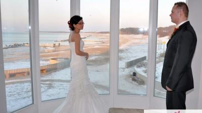 Sprzedam piękną i lekką suknię projektu Bartosza Wcisło