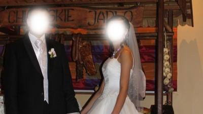 Sprzedam piękną śnieżno-białą suknie ślubną, typ princessa.