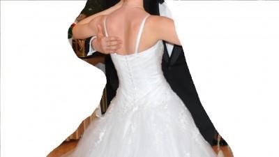 Sprzedam piękną śnieżnobiałą suknię ślubną typu PRINCESSA