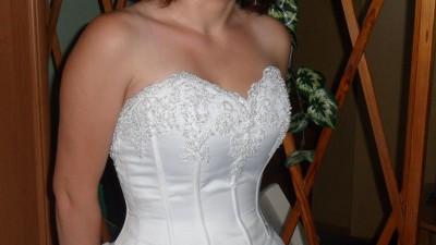 Sprzedam piękna suknię ślubna