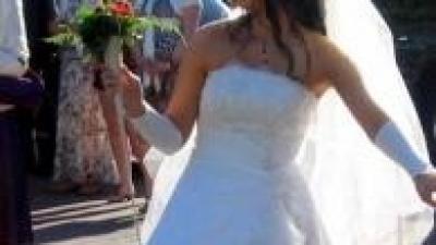 sprzedam piękną suknie ślubną.