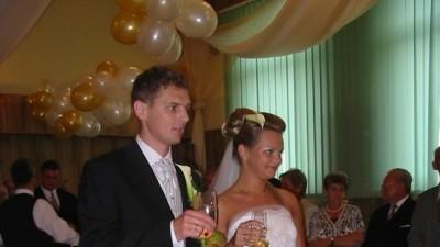Sprzedam piękną suknie ślubną, białą jednoczęściową orginalna z firmy Classa