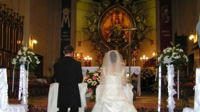 sprzedam piękna suknię ślubną+gratis wieczorową na 2 dzień wesela:)