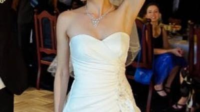 sprzedam piękną suknię ślubną rozm. 34-36 Rafaella śmietankowa