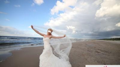 Sprzedam piękną suknię w stylu hiszpańskim