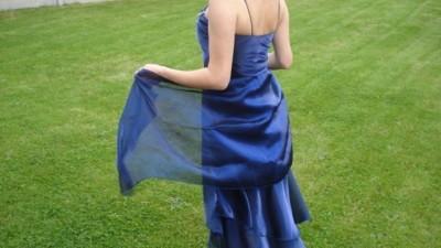 sprzedam piekna suknie wieczorowa