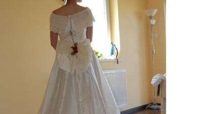 Sprzedam piękne nowe suknie