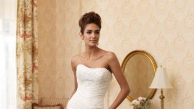 Sprzedam pięknę suknię Mon Cheri 110204