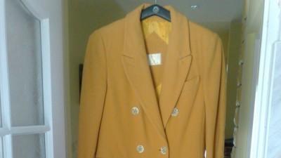 Sprzedam płaszcz jesienny