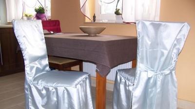 Sprzedam pokrowce na krzesła i klęcznik